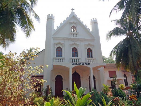 Eine Kirche in Calangute (Goa, Indien)