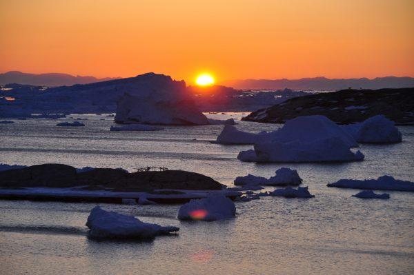 Sonnenuntergang um kurz vor Zwölf (24:00) in Ilulissat