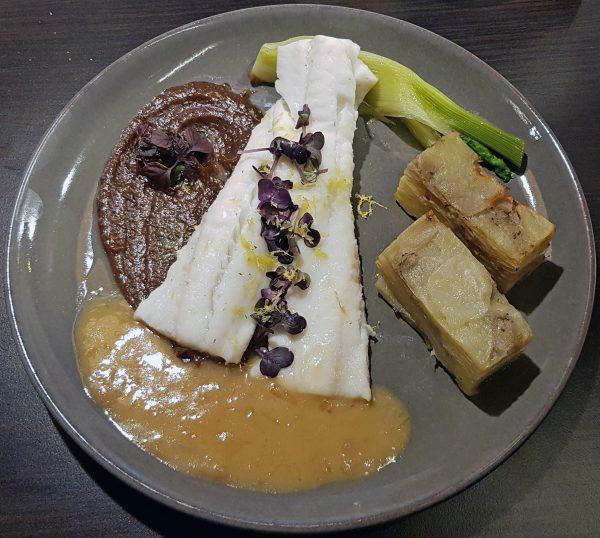 Kabeljau-Gericht im Restaurant des Flughafens Kangerlussuaq