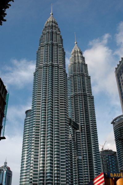 Das Wahrzeichen von Kuala Lumpur: die Petronas Towers
