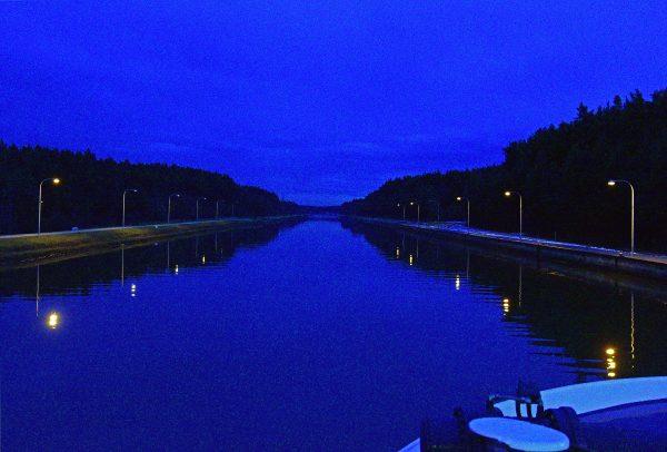 Eine Schleuse im Main-Donau Kanal