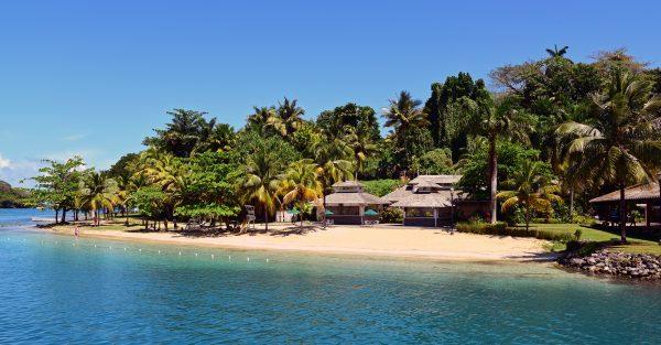 Der kleine Strand an der Anlegestelle der MS Hamburg, Port Antonio