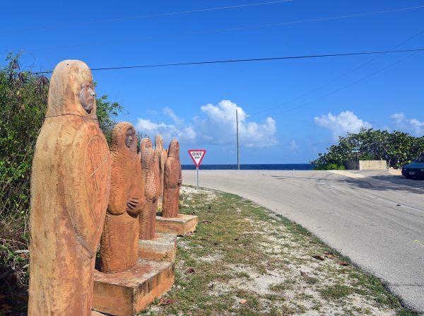 Skulpturen auf Cayman Brac