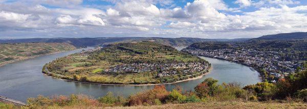 Blick auf eine Rheinschleife