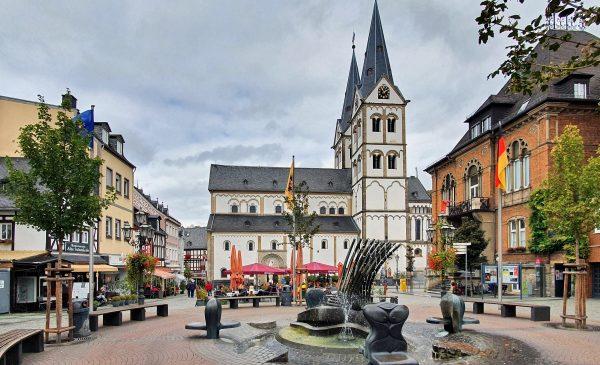 Die Basilika St. Severus und der mittelalterliche Marktplatz in Boppard