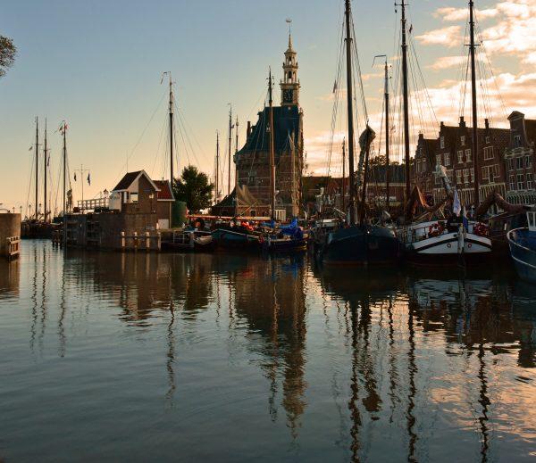Abenddämmerung im Hafen von Hoorn