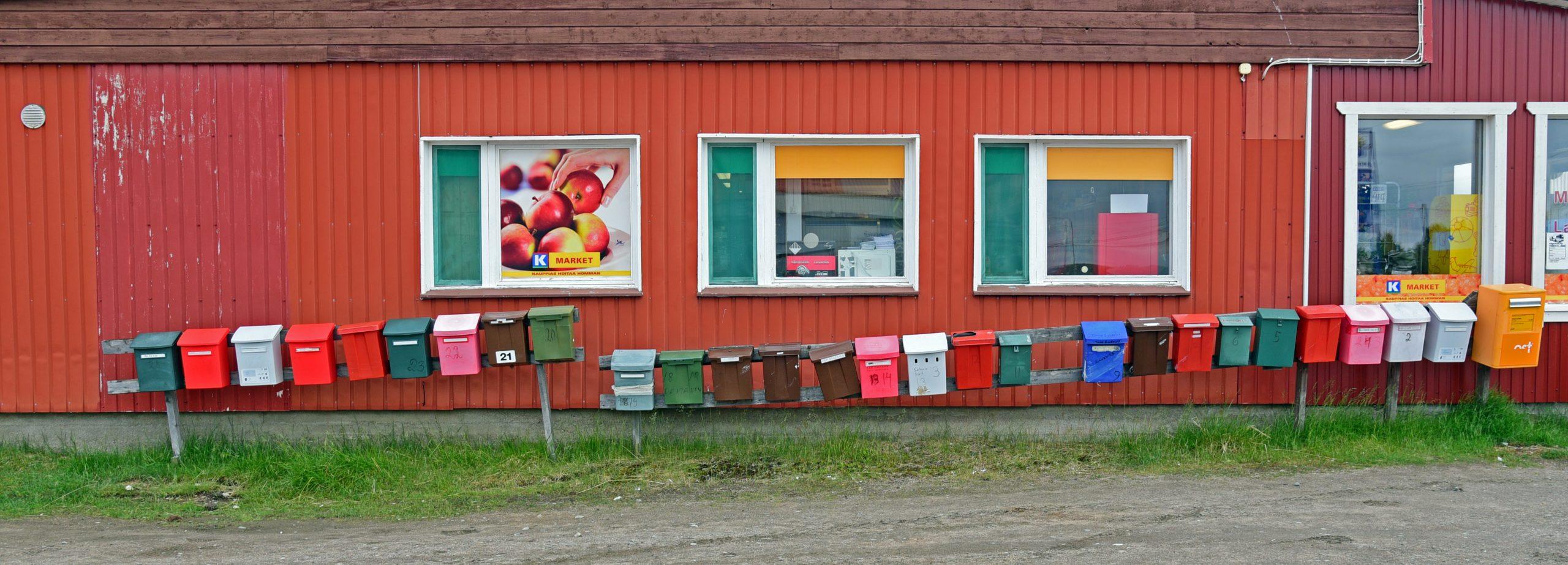 Briefkästen in Näätämö