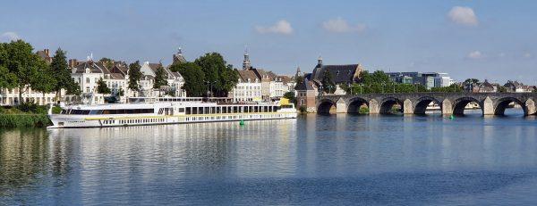 Blick auf die Elegant Lady in Maastricht