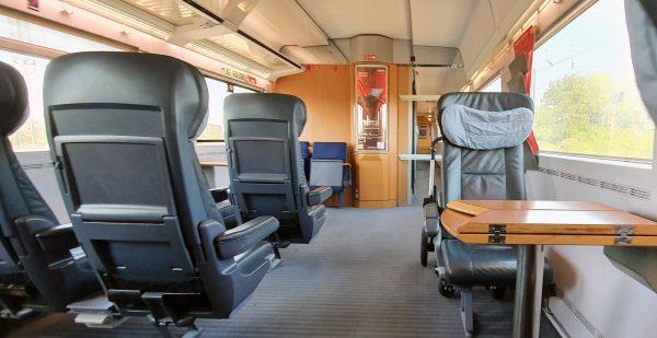Genuss in leeren Zügen auf der Fahrt nach Münster