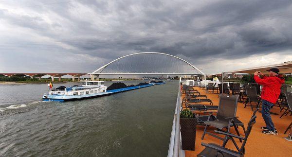 Abschied von Nijmegen auf der MS Elegant Lady