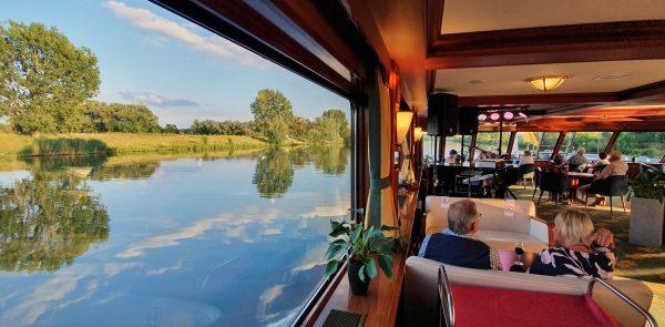 Unterwegs auf der Waal in den Niederlanden