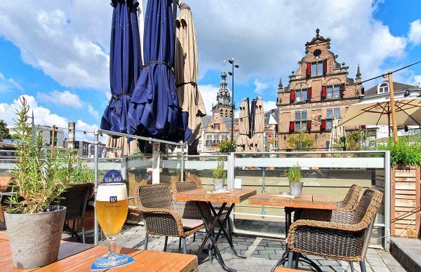 Prost auf Nijmegen und das 'Witte Trappis'