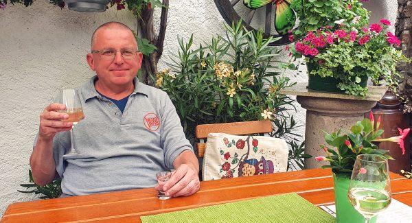 Zinni in der Weinstube Anton Hammes in Alken