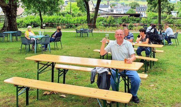 Zinni und sein 9,50 Euro Wein und Asbach in Rüdesheim