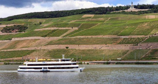 Blick auf das Niederwalddenkmal in Rüdesheim