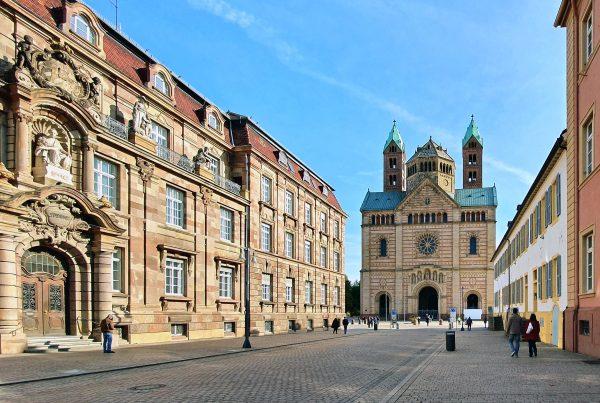 Die Maximilianstraße in Speyer