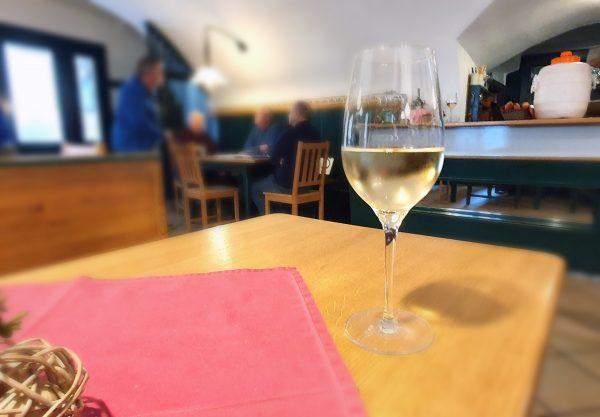 Im Gasthaus Weiße Rose in Weißenkirchen