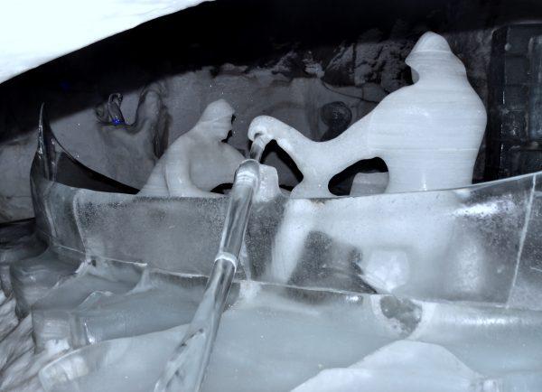 In der Magic Ice Bar von Svolvær
