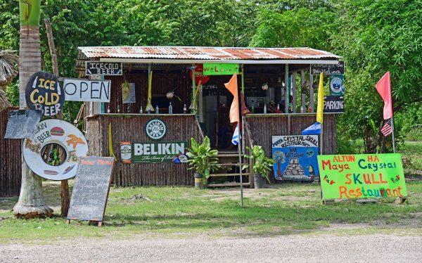 Eine Bar in Belize