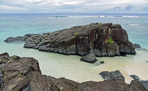 Der 'Black Rock' in Rarotonga