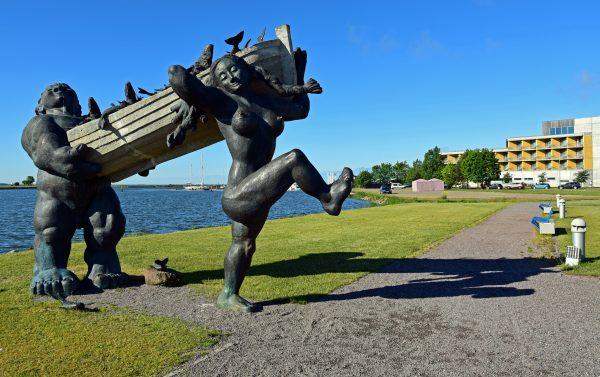 An der Promenade von Kuressaare / Estland