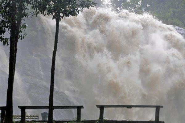 Die Wachirathan Wasserfälle im Doi Inthanon Nationalpark
