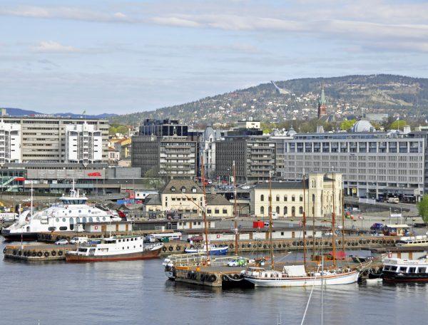 Blick auf Oslo und dem Holmenkollen