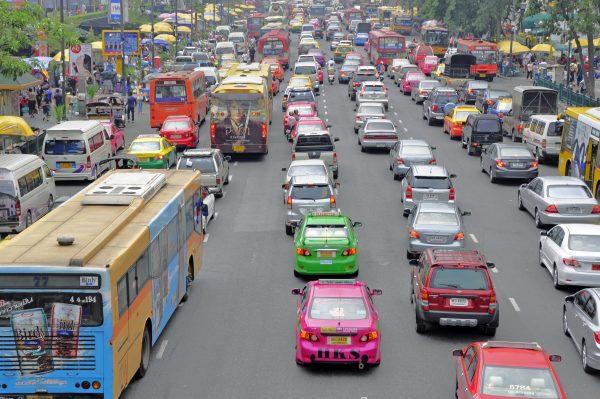 Der alltägliche (und allnächtliche) Verkehr in Bangkok