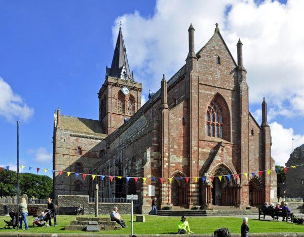 St. Magnus Kathedrale / Kirkwall auf Orkney in Schottland