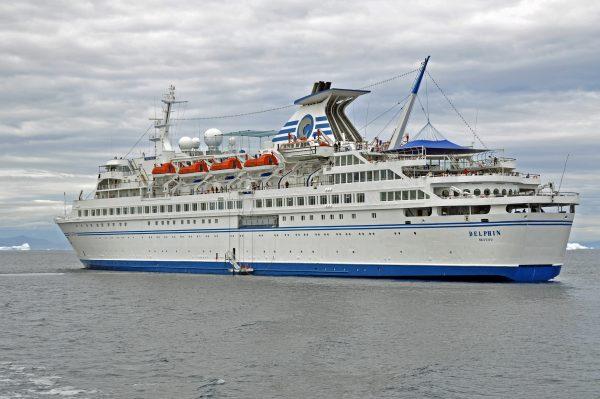 Die MS Delphin in der Disco Bucht