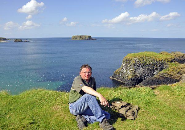 Zinni unterwegs auf der Insel Carrick-a-Rede