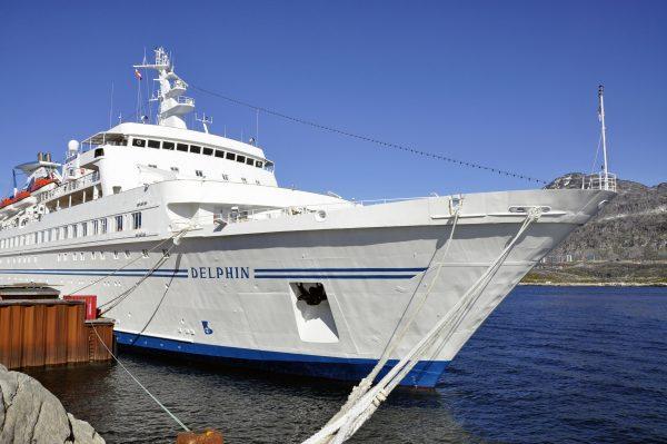 Die MS Delphin in Nuuk