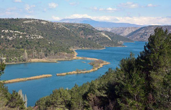 Panorama-Blick auf die Schlucht von Krka