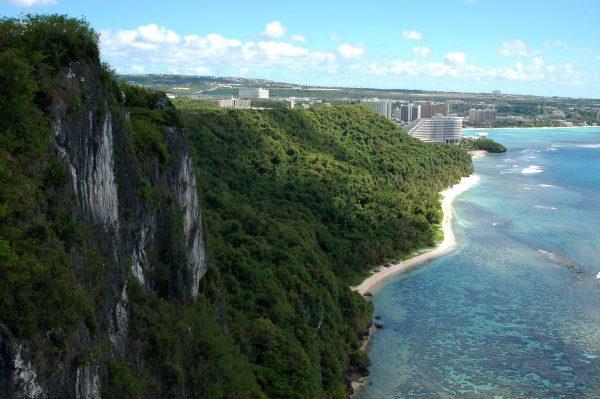 Blick auf die Tumon Beach in Guam