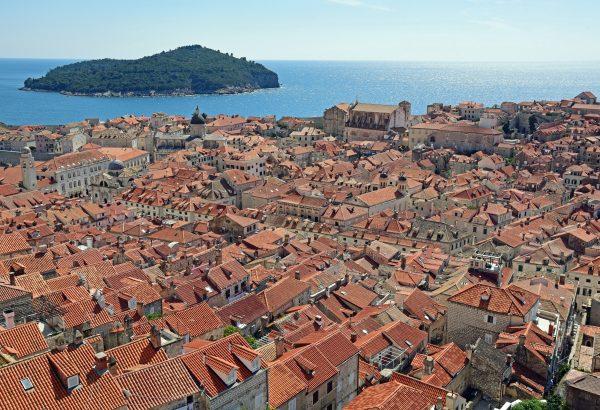 Blick von der Stadtmauer auf die Altstadt von Dubrovnik