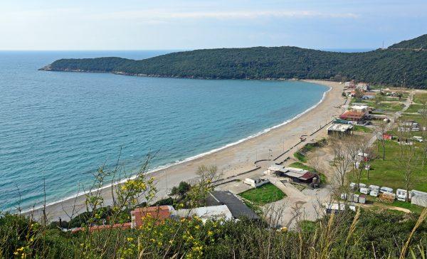 Der Strand Jaz von Kotor