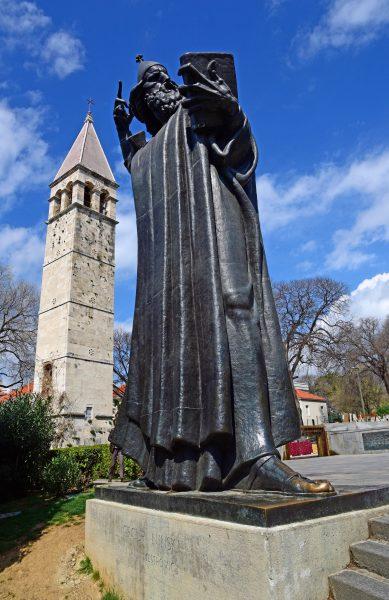 Die Bronzestatue 'Gregor von Nin' in Split