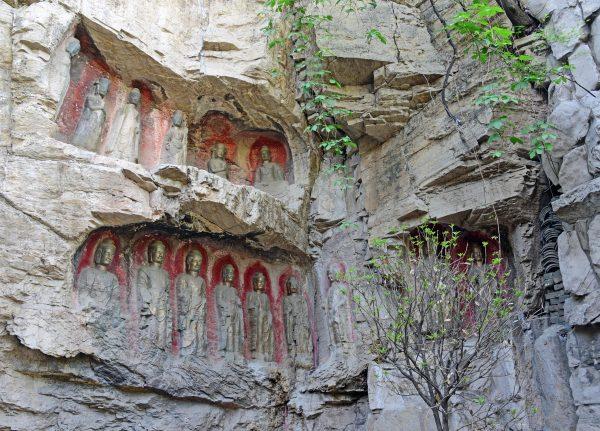 Die Felsen-Buddhas von Jinan