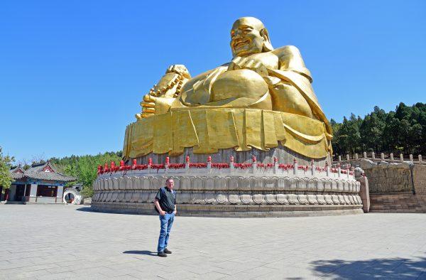 Zwei Big Buddhas in Jinan