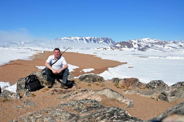 Zinni und Blick auf die Walrusbay nahe Ittoqqortoormiit