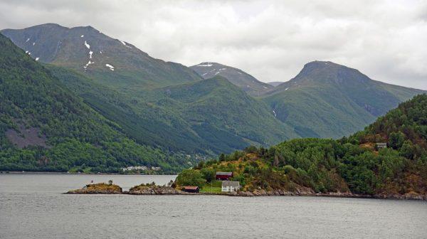 Fahrt durch den Geiranger-Fjord, Norwegen