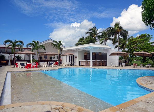 Der Pool vom Hotel Le Relais du Moulin in Guadeloupe