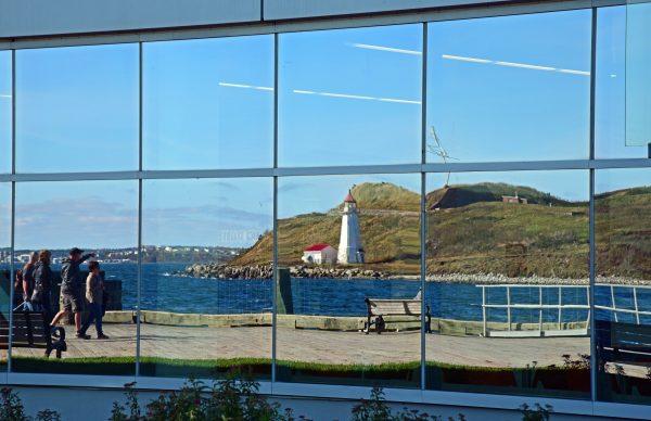 Blick auf die gespiegelte McNabs Insel bei Halifax