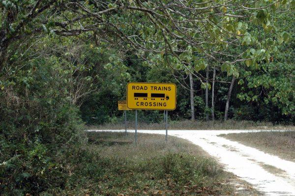 Warnung vor Roadtrains
