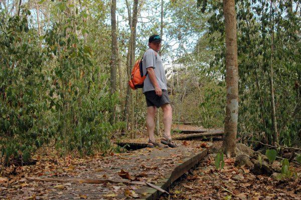 Zinni beim Wandern auf den Christmas Island