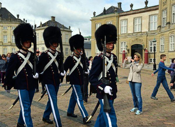 Palastwachablösung, Schloss Amalienborg, Kopenhagen