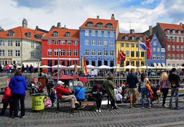 Die Sonnenseite vom Nyhavn / Kopenhagen