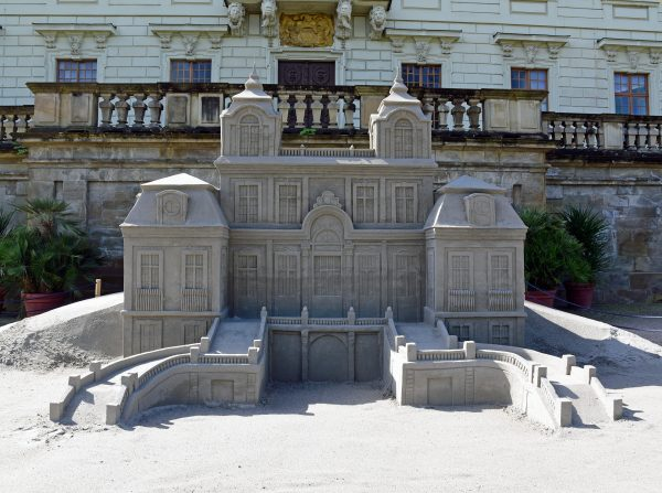 Das Schloss von Ludwigsburg aus Sand