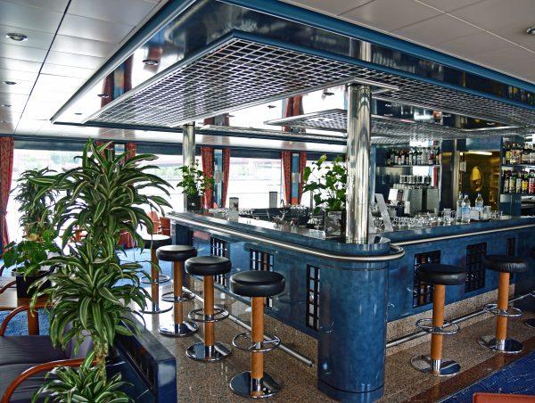 Die Bar der MS Belvedere