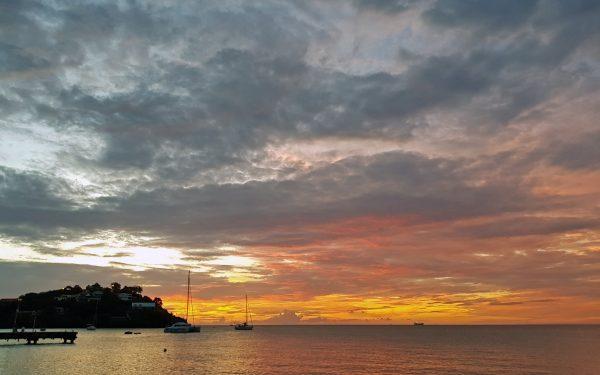 Sonnenuntergang in Trois-Îlets
